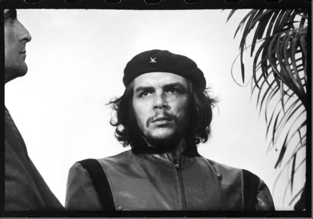 uncropped photo of Che Guevara taken March 5, 1960 at Havana harbor by Korda