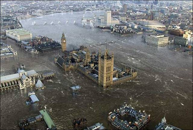 Flooding in London. [via indiatalkies.com]