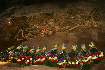 A mass grave opened in Malaga, 2009.[publico.es