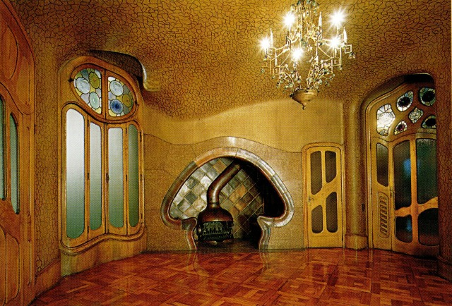 Fireplace at Casa Battlo by Gaudi.[©Ignasi de Solá-Morales]