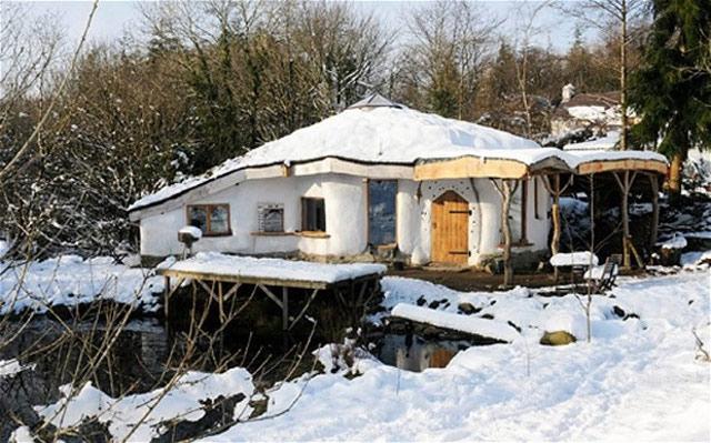 hobbit_nopermit_snow